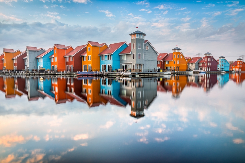 Colorful houses door Groninger landschapsfotograaf Harmen Piekema
